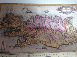 Old map of Iceland, found at the Skagastrond library. This map appears to be updated from the previous image.